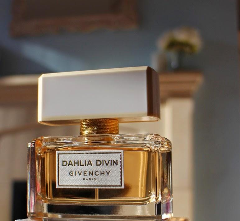 Givenchy-Dahlia-Divin-perfume