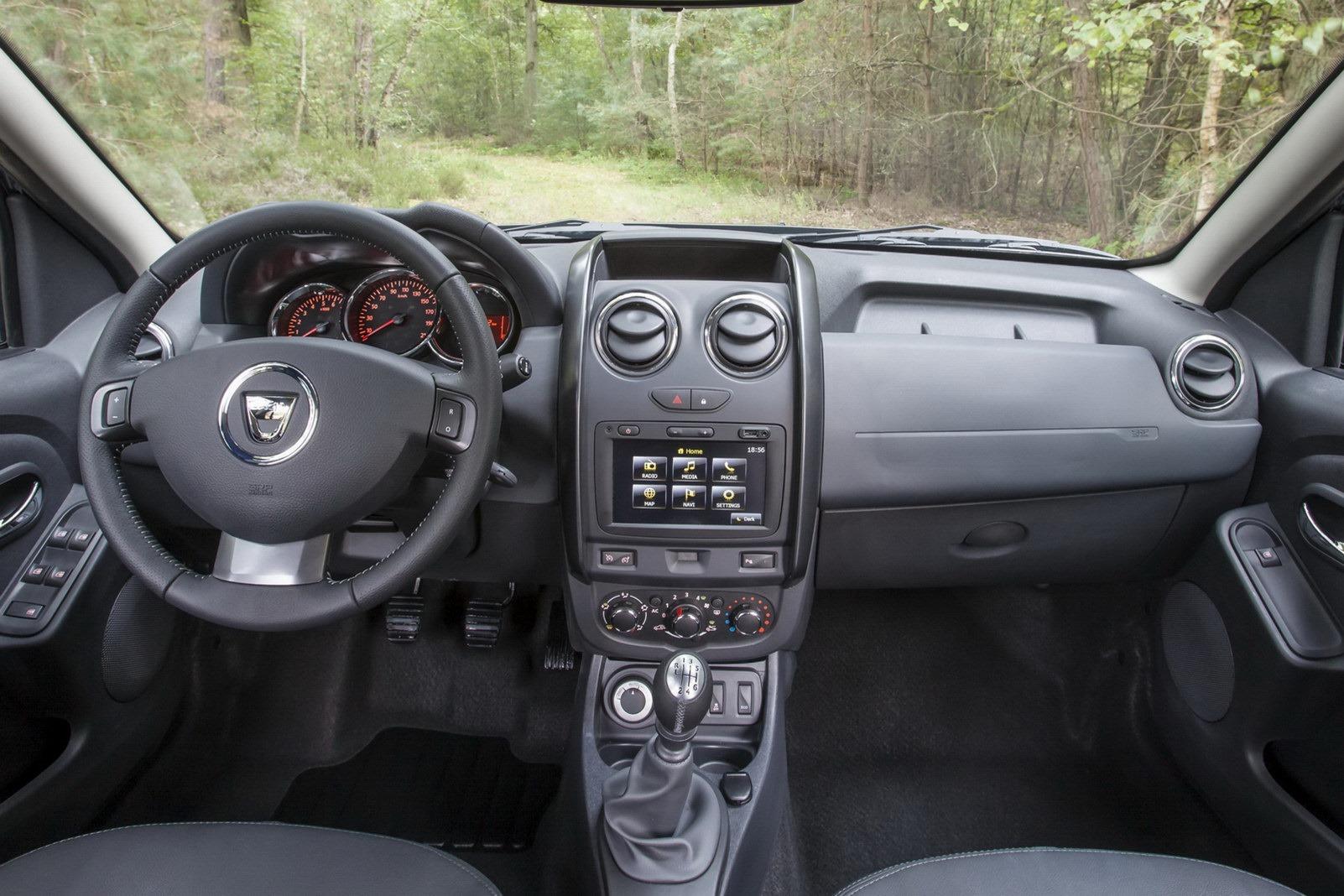 Dacia-Duster-2014-18.jpg