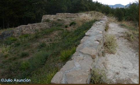 Ruinas del castillo de Miravalles - Huarte