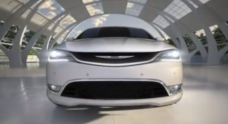 Chrysler 200 comercial