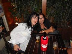 Valerinha com Lucinha Lage, que sabe tudo sobre pinturas especiais (lucialage@hotmail.com)