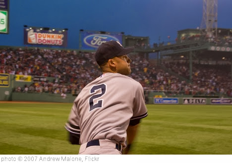 'Jeter warming up' photo (c) 2007, Andrew Malone - license: http://creativecommons.org/licenses/by/2.0/