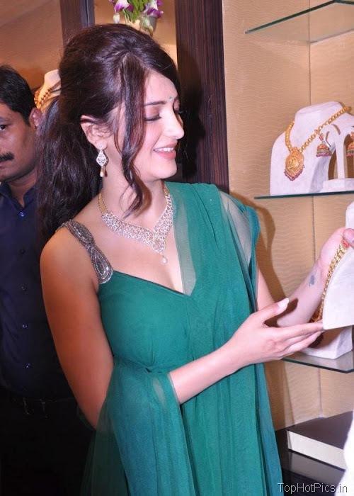 Shruti Hassan Hot Navel Photos 2012 5