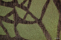 Tkanina obiciowa z efektem metalicznym. Motyw roślinny - liście. Brązowa, zielona.
