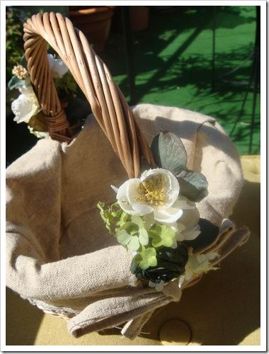 Cesta de arras con flores para niñas y niños de arras