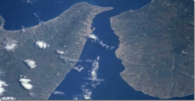 Stretto_di_messina_satellitare