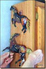 More horsies