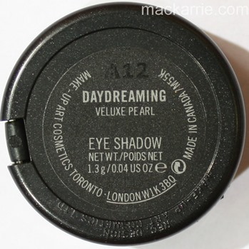 c_DaydreamingVeluxePearlEyeshadowMAC3