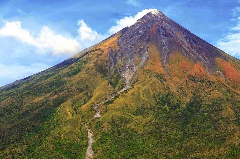 mayon-volcano-1