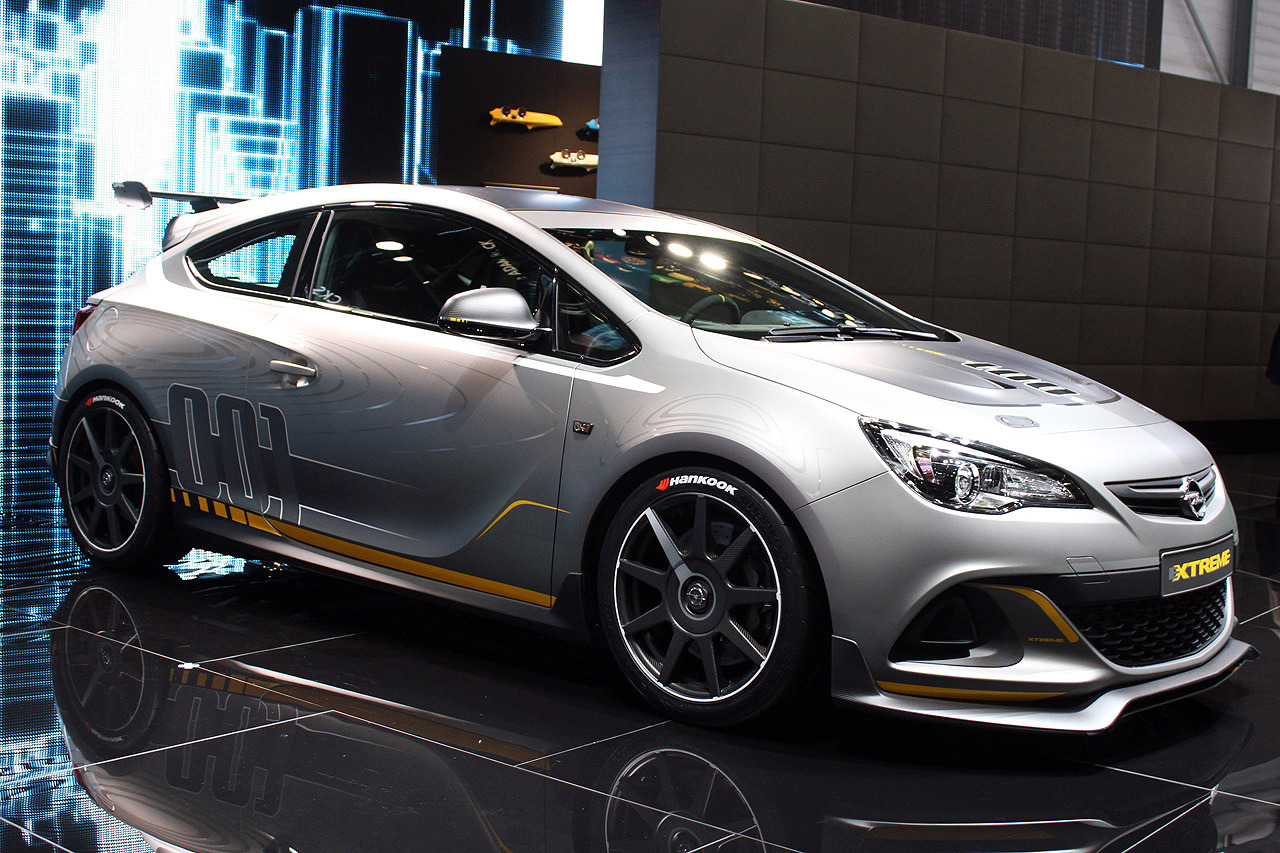 yeni opel astra opc extreme ve adam rocks cenevre 39 de tan t ld turkeycarblog. Black Bedroom Furniture Sets. Home Design Ideas