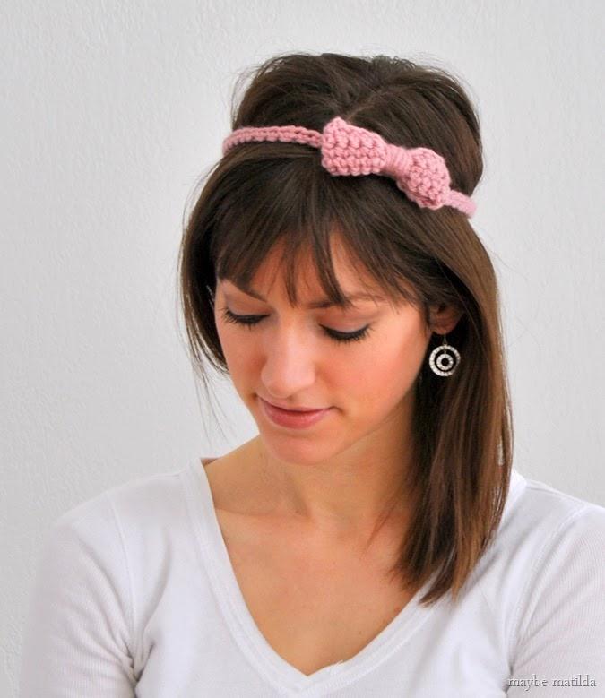 Little Bow Headband // free crochet pattern at www.maybematilda.com