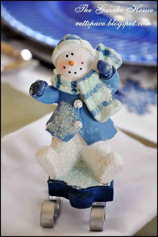 Jan Icey Blue Snowmen Table 012