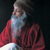 13.Waves Of Love - osho402.jpg