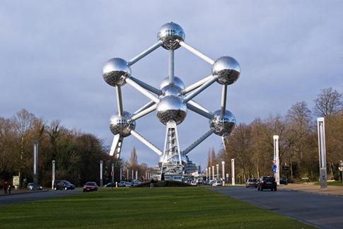 56. Atomium (Bruselas, Bélgica)