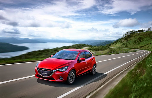 2015-Mazda2-Demio-07.jpg