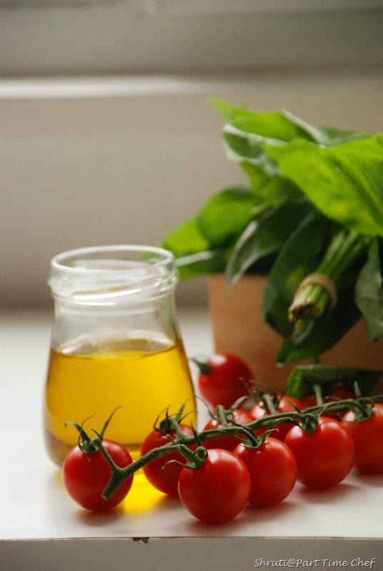 Pasta al Nepolitana Tomatoes basil n olive oil