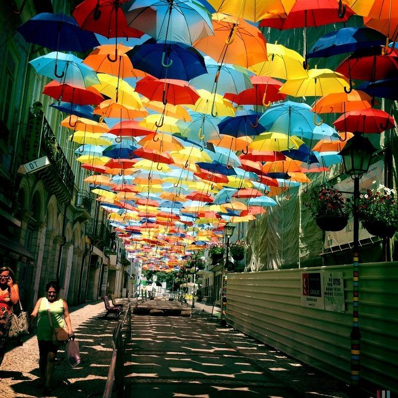 floating-umbrellas-5