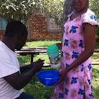 Händewaschen vor dem Essen © Foto: Doreen Schütze | Outback Africa