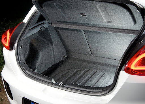 Yeni-Kia-Pro-Ceed-GT-2014-81.jpg