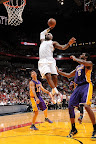 lebron james nba 130210 mia vs lal 16 LeBron Sets NBA Record of 6 Games with 30+ Points & 60+% FG