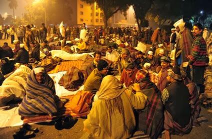 kejriwal on street