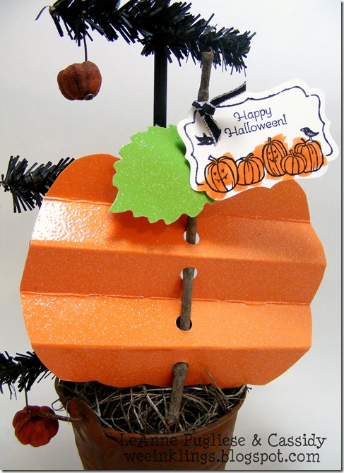 LeAnne Pugliese WeeInklings Paper Players 163 Pleated Pumpkins