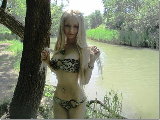 valeria-lukyanova-barbie-doll--11