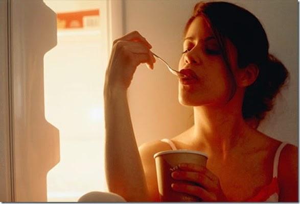girls-eating-icecream-015
