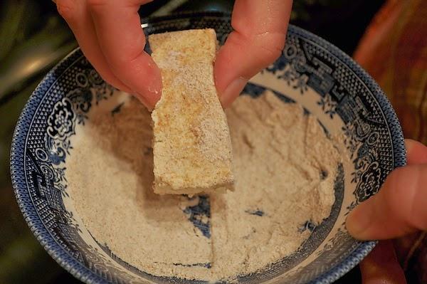 沾麵粉的豆腐