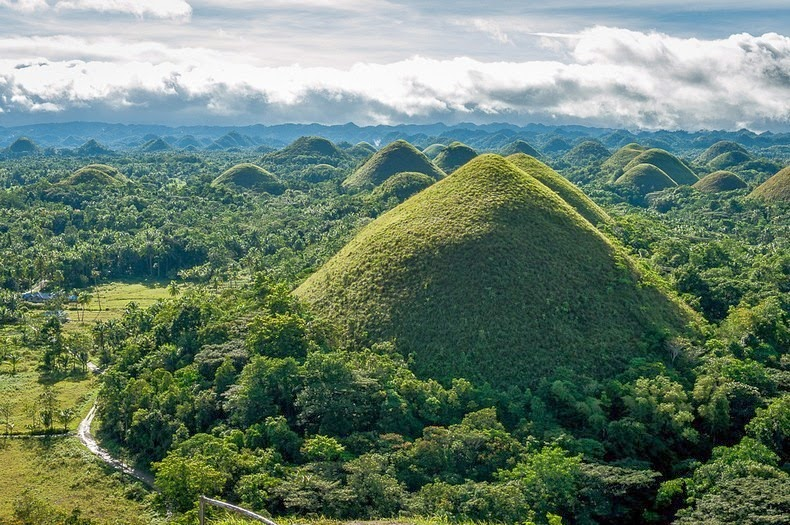 chocolate-hills-bohol-3