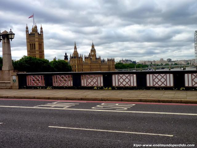 lambeth-bridge-london.JPG