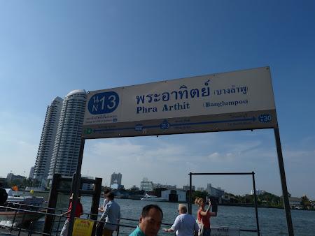 statia de Chao Praya Express langa Khao San.