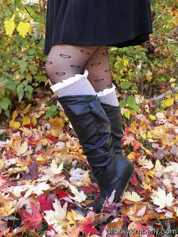 Refashion An Old Sweater into Leg Warmers/Boot Socks | allonsykimberly.com