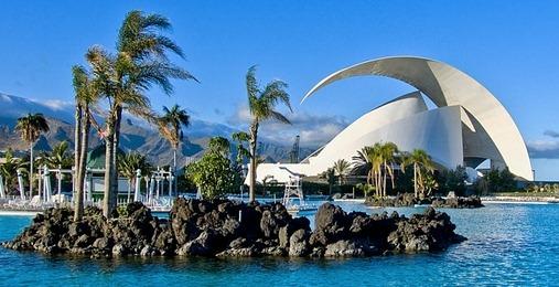 Parque Marítimo César Manrique, al fondo el auditorio - Santa Cruz de Tenerife