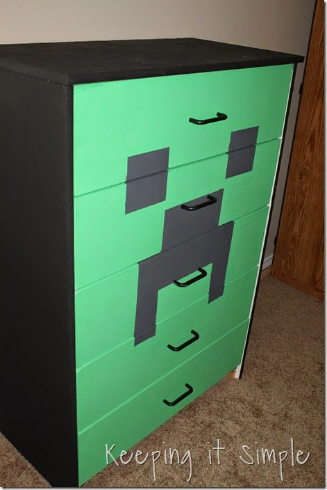 Minecraft Creeper Dresser with DecoArt Chalk Paint (6)
