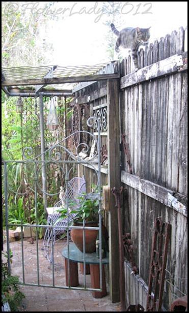 03-01-gard-gate
