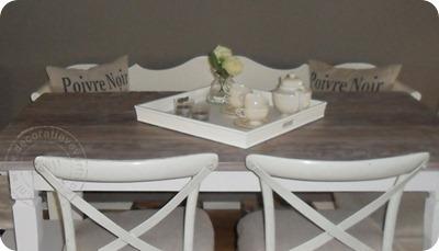 verftechnieken-teak-tafel-kalkwas-detail