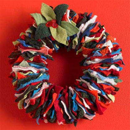festive-sweater-wreath-1