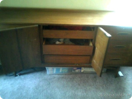 credenza_middle
