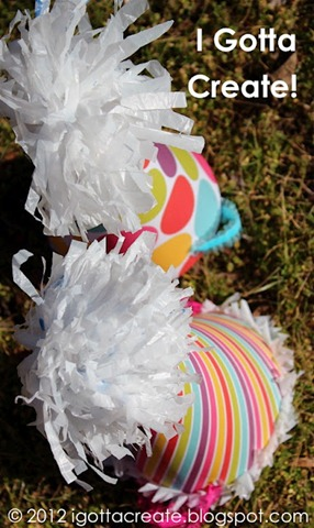 Plastic_Bag_PomPoms_11_Igottacreate