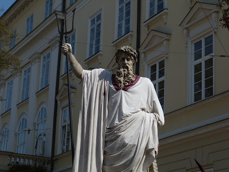 Things to do in Lvov: see Neptune statue