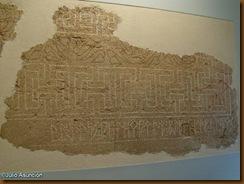 Mosaico con inscripción en escritura ibera - Museo de Navarra