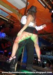 Stripper Rafael Azeredo e esposa