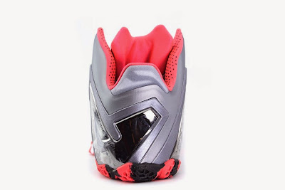 nike lebron 11 ps elite silver crimson camo 4 05 Release Reminder: Nike LeBron XI Elite Team Collection