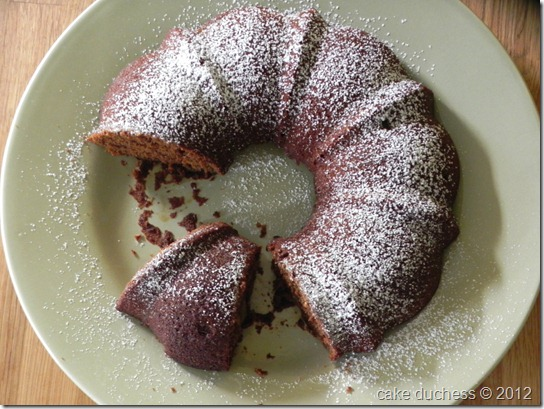 gingerbread-apple-bundt-cake-3