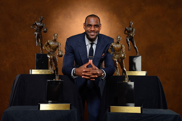 Gallery King James Accepts 201213 NBA Most Valuable Player Award