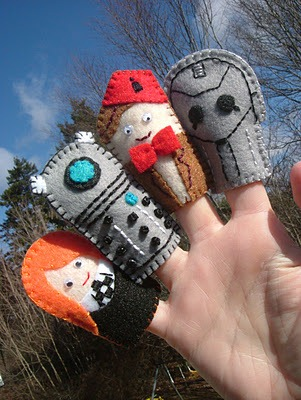 Doctor Who Finger Puppets via nicketynacketynoo