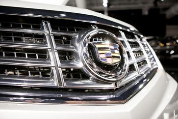 2013-Cadillac-SRX-1
