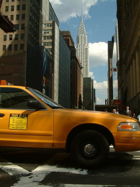 [yellow-cab-chrysler-building%255B3%255D.jpg]