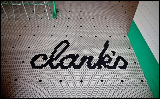 main_hero_fullwidth_height_700_700-clarks-oyster-bar-sign-on-floorremodelista